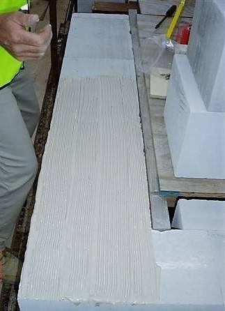 Thin joint construction method